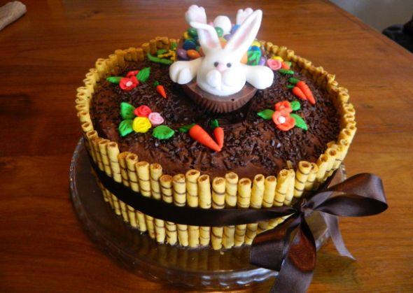 Resultado de imagem para bolo simples de pascoa