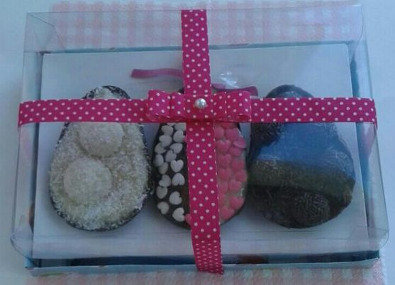 Faça esta caixa de ovo de Páscoa de colher com o estilo, cores ou estampas que você quiser (Foto: artedamarcinha.com.br)